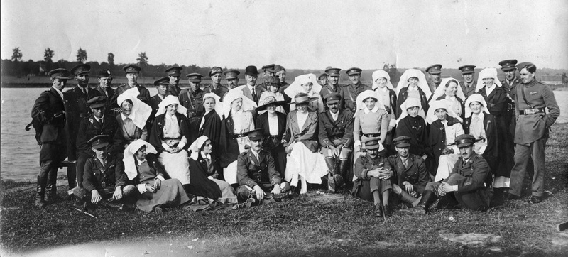 Photograph of staff of the No. 7 Stationary Hospital