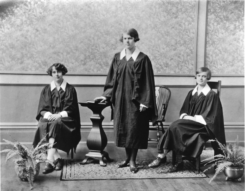 Portrait of the Dalhousie Women's Debating Team