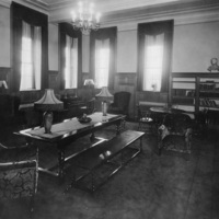 Photograph of the library reading room in Shirreff Hall